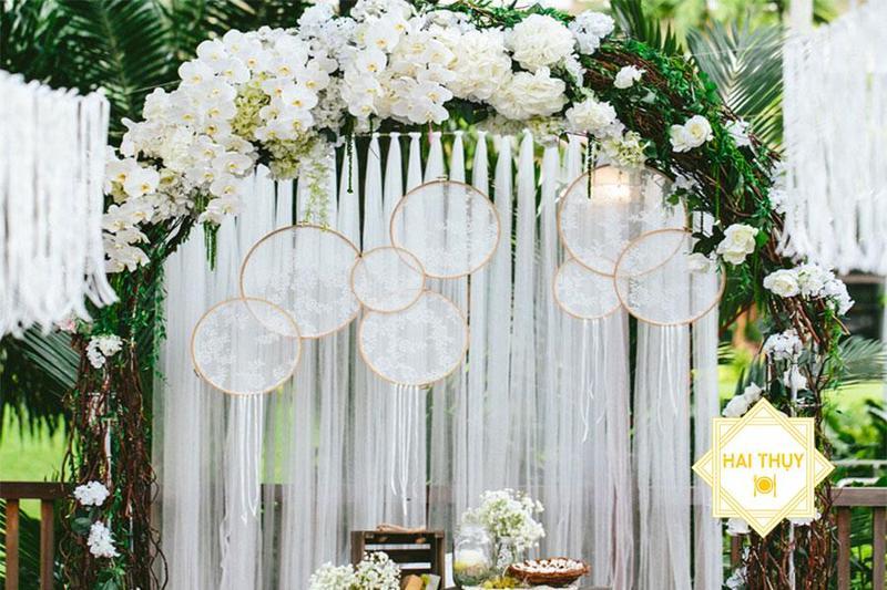 Top 3 xu hướng chọn tone màu trang trí đẹp nhất khi đặt tiệc cưới outside