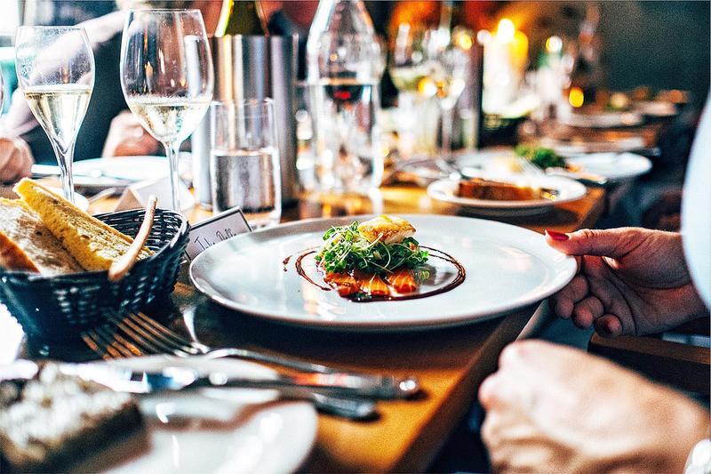Sử dụng dịch vụ nấu tiệc thế nào để có một bữa tiệc hoàn hảo
